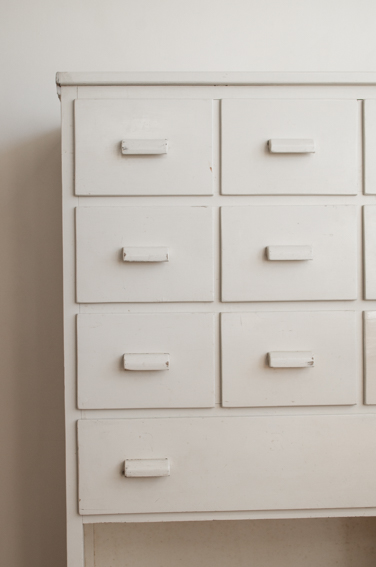 White Drawer(France)