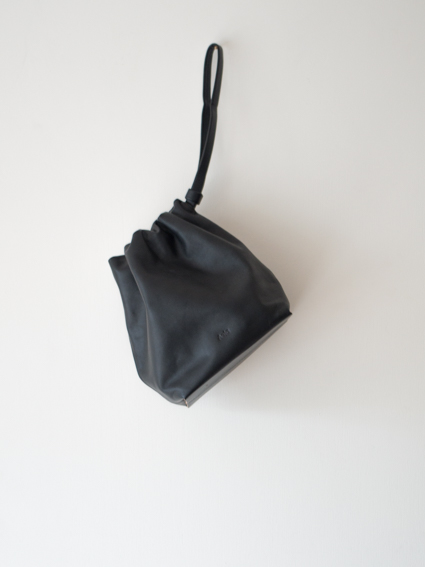 Aeta Shoulder Pouch Black