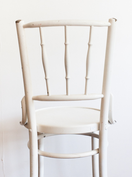 White Chair(France)