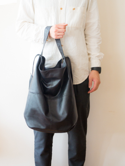 TIDI DAY SHOULDER BAG L (Black)