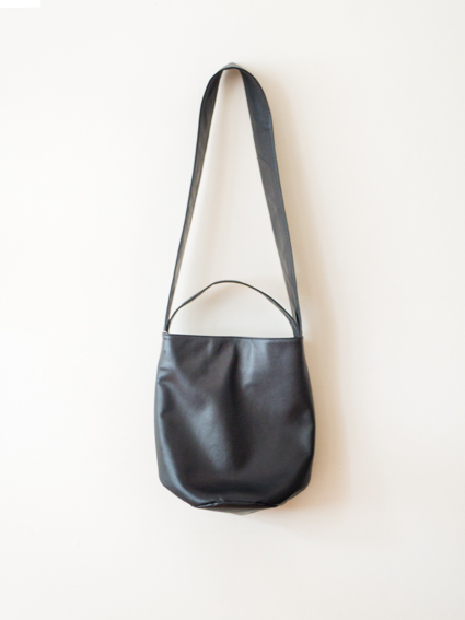 TIDI DAY SHOULDER BAG S (Black)