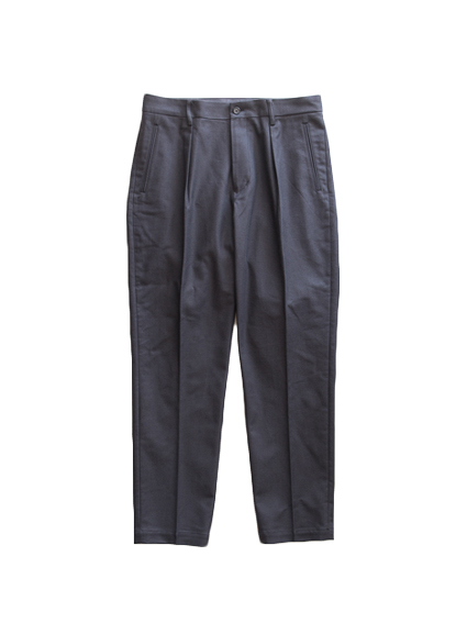 tilt The authentics In Tuck Cotton Trousers