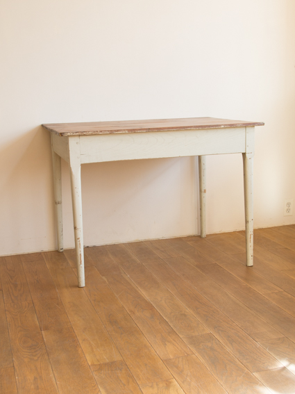Table(painted legs)